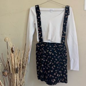 Floral short overall romper size large